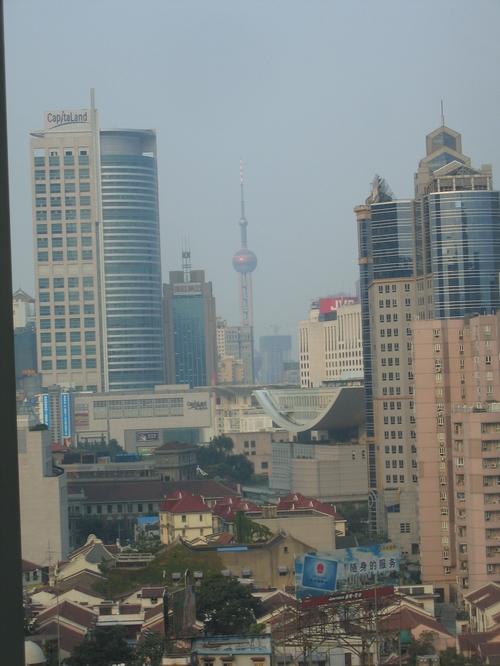 Shanghai_pearl_brouillard