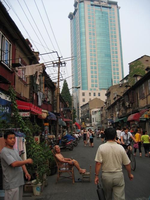 Shanghai_rue_gratte_ciel